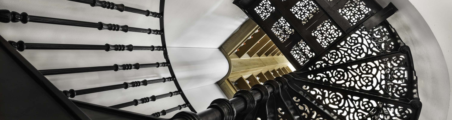 victorian-staircase