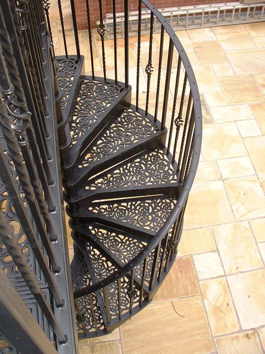 Traditional victorian cast spiral staircases british for Spiral stair design
