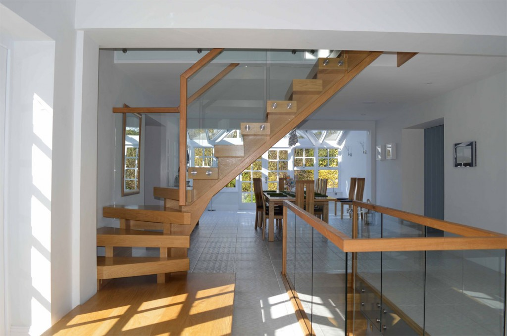 Kited Timber Staircase Glass