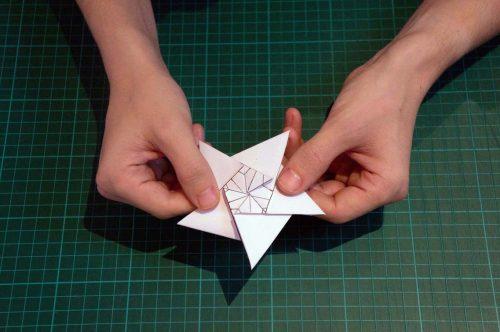 christmas-stair-origami-15