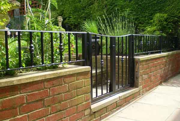 Bespoke Borders With A Garden Wall Railing British Spirals Castings