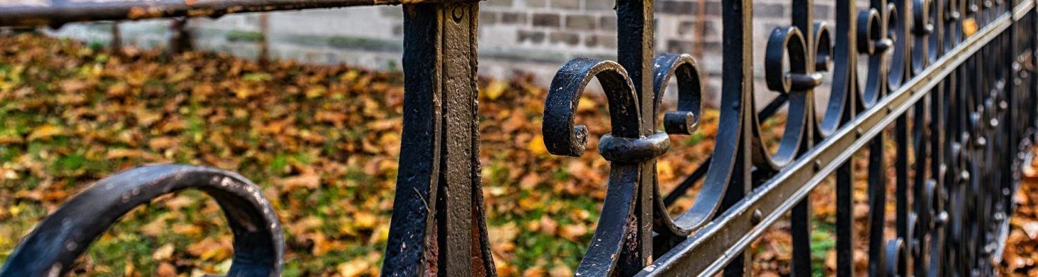 fence-1801606_1920