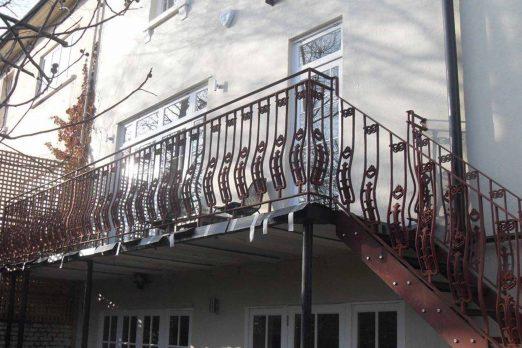 RB-4 – Balcony Railing