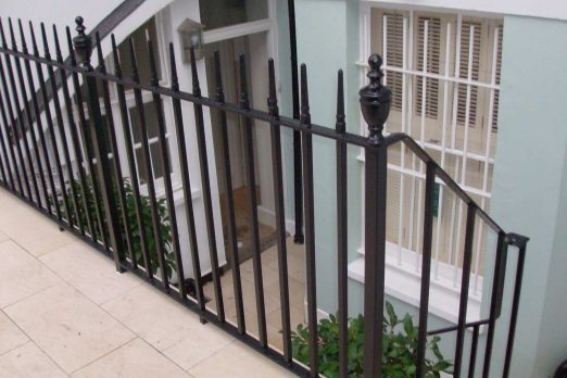 RCI-2 – Cast Iron Railing