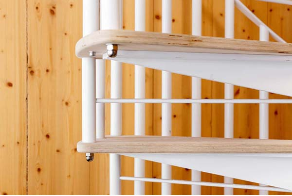 how to measure staircase angle