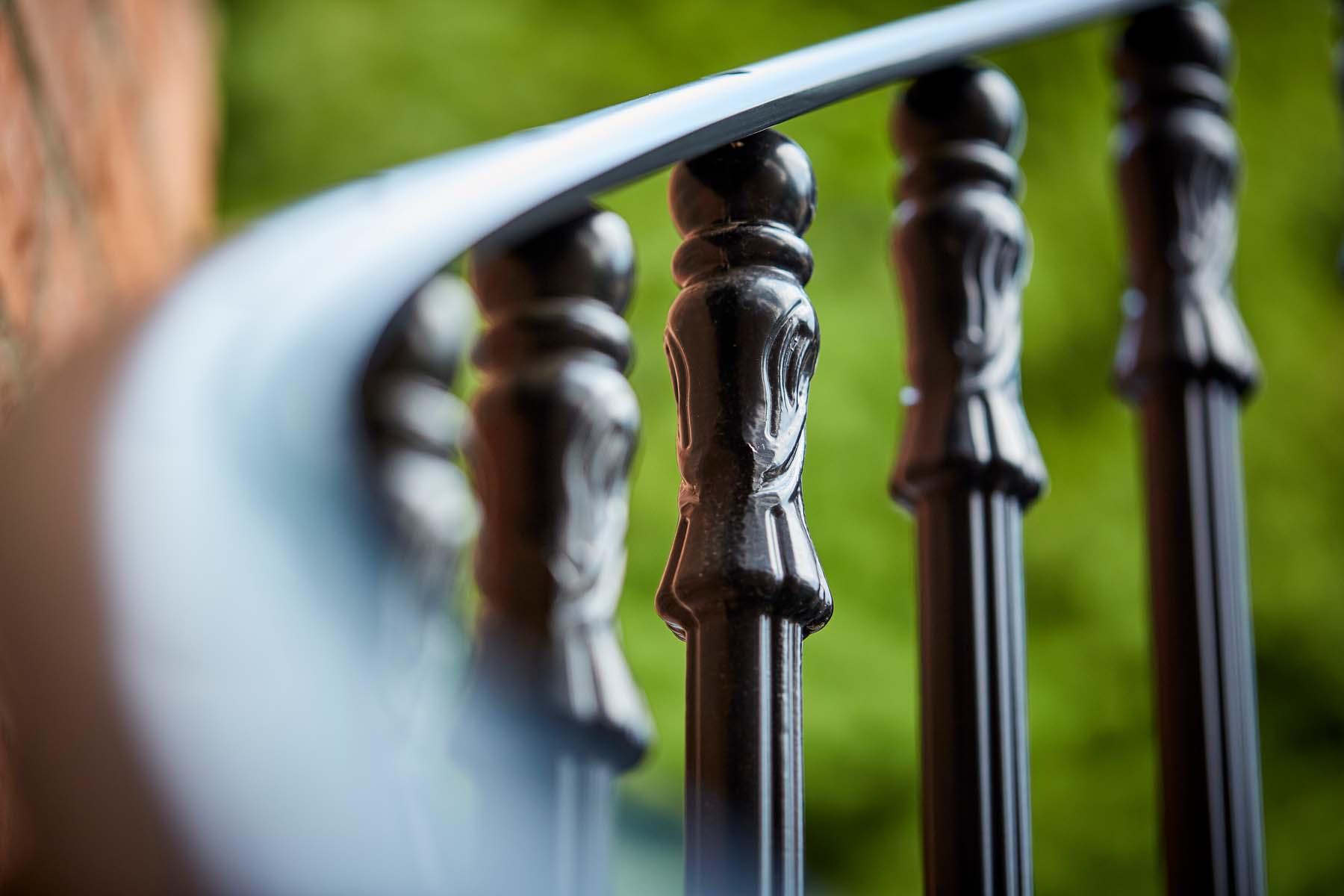 Cast metal balustrade
