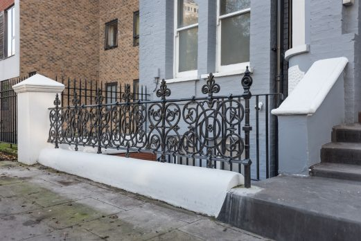 RWT23 – Wall-Top Railings