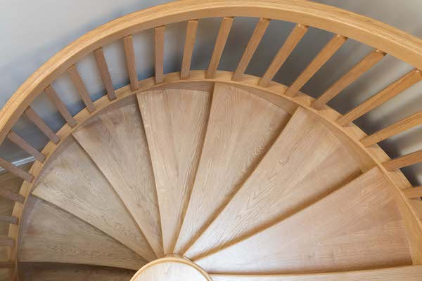 Staircase clear width