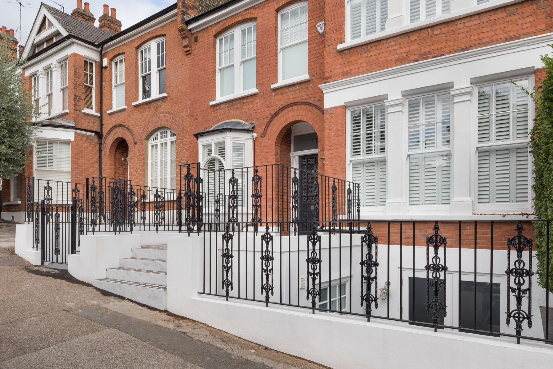 External cast iron railings